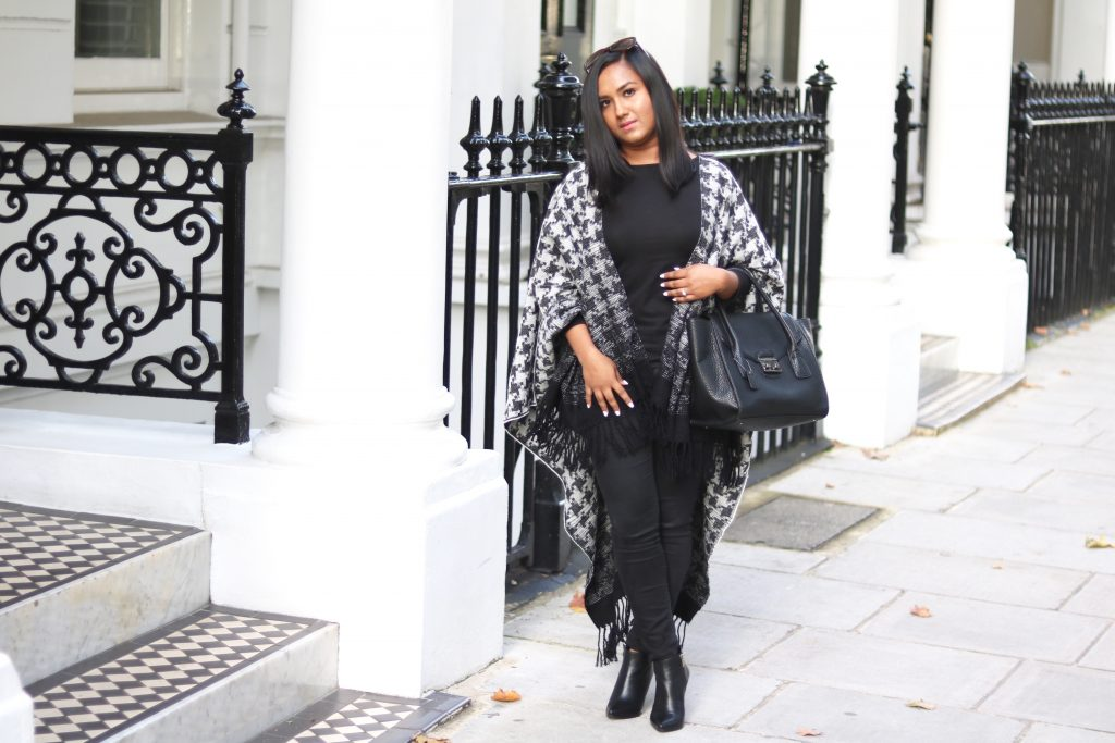 Dogtooth Wrap|Elegantly Fashionable