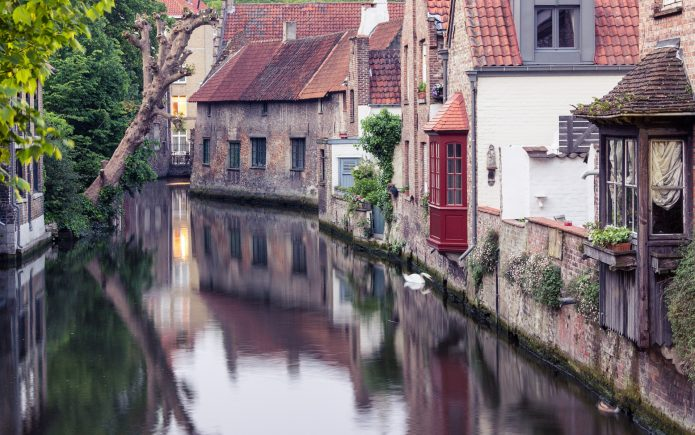 Bruges | Elegantly Fashionable